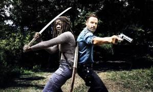 Andrew Lincoln e Danai Gurira, intérpretes de Rick e Michonne: série tenta recuperar prestígio Foto: Divulgação/Alan Clarke/AMC