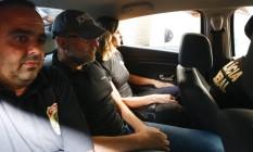 O ex-secretário de Saúde Sérgio Côrtes, ao ser preso pela Polícia Federal em abril de 2017 Foto: Pablo Jacob / Agência O Globo / 11-4-17