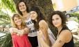 Julia Parucker, Luka Borges, Aisha Jacob e Fernanda Barbosa, as idealizadoras da campanha: tatuagens serão distribuídas em cinco estados