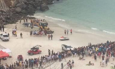 Baleia encalhada em Arraial do Cabo Foto: Dayana Resende / O Globo