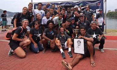 No Remo, Botafogo conquistou o hexacampeonato brasileiro de barcos longos neste sábado Foto: Divulgação/Frerj / Terceiro