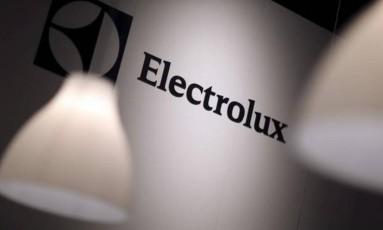 Logo da Electrolux é vista durante feira de eletrônicos em Berlim, na Alemanha Foto: Hannibal Hanschke / Reuters/04-09-2014