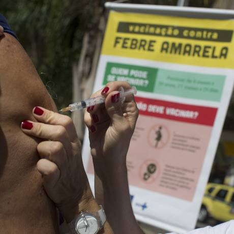 Campanha de vacinação em Botafogo, contra a febre amarela (25/03/2017) Foto: Márcia Foletto / Agência O Globo