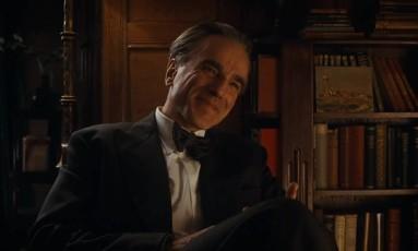 Daniel Day-Lewis em cena de 'Phantom Thread', último filme de sua carreira após anunciar aposentadoria Foto: Reprodução