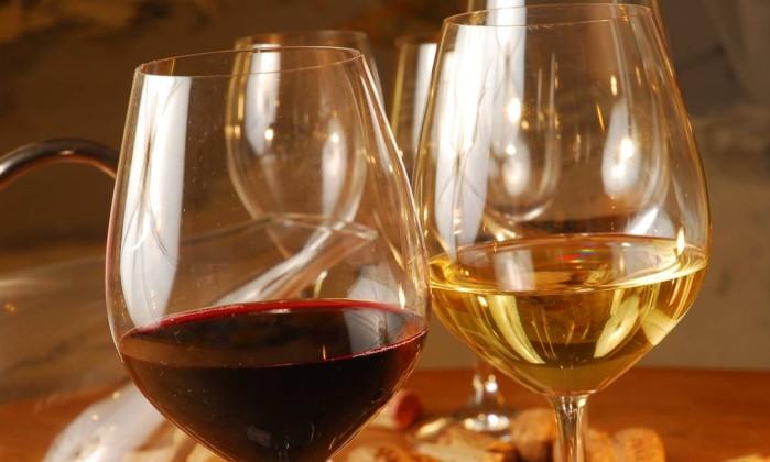 Produção mundial de vinho registra pior nível em mais de 50 anos