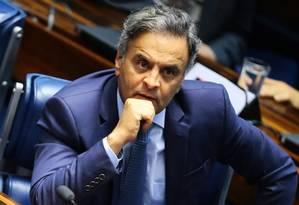 O senador Aécio Neves (PSDB-MG) no plenário do Senado Foto: Jorge William/Agência O Globo