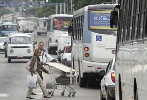 Ônibus na Taquara: passageiros reclamam das mudanças de linhas sem aviso Foto: Pedro Teixeira / Pedro Teixeira/19-7-2012