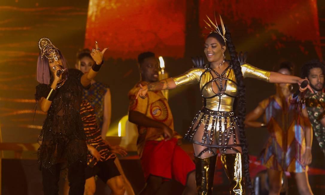 Karol Conka e Ludmilla apresentaram um medley de seus maiores sucessos Foto: Barbara Lopes / Agência O Globo