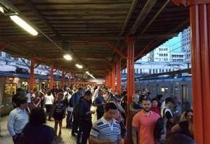 Descarrilamento em São Cristóvão prejudicou funcionamento de trens Foto: Douglas Mendonça / WhatsApp Extra