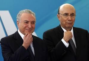O presidente Temer e o ministro Meirelles: Previdência em novembro Foto: Givaldo Barbosa / Agência O Globo/23-8-2017