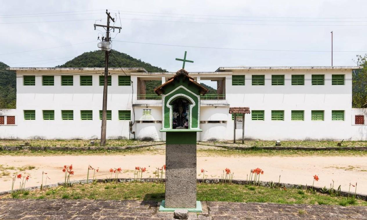 O prédio do Ecomuseu, adminstrado pela Uerj, onde funcionam o Museu do Cárcere e o Museu do Meio Ambiente, em Dois Rios Foto: Alex Ferro / Agência O Globo