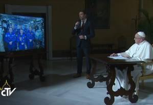 O Papa Francisco conversou com os astronautas a bordo da Estação Espacial Internacional Foto: REPRODUÇÃO