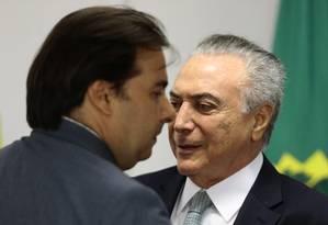 O presidente Michel Temer e o presidente da Câmara, Rodrigo Maia Foto: Jorge William / Agência O Globo