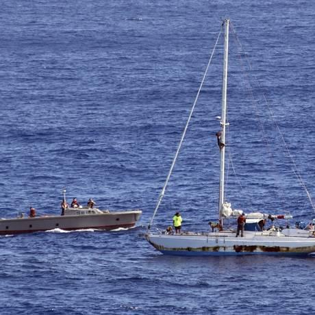 O barco onde Jennifer Appel e Tasha Fuiava passaram os últimos cinco meses Foto: Mass Communication Specialist 3rd Class Jonathan Clay / AP