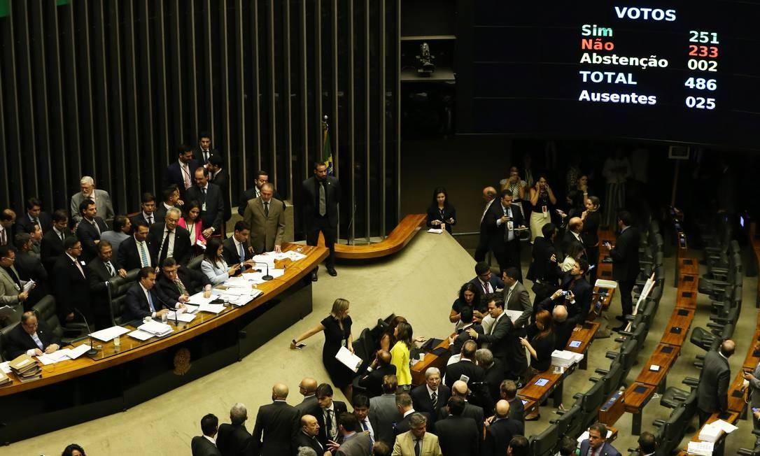 O plenário da Câmara dos Deputados Foto: Givaldo Barbosa / Agência O Globo/25-10-17