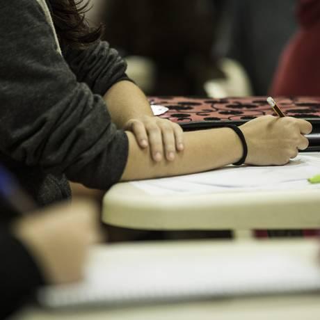 Estudantes devem ter feito última edição do Enem para concorrer ao Prouni Foto: Guito Moreto / Agência O Globo