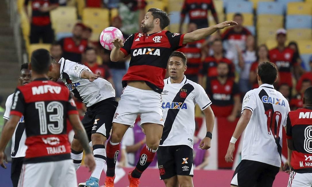 Flamengo e Vasco se enfrentaram no Maracanã Foto: Marcelo Theobald / Agência O Globo