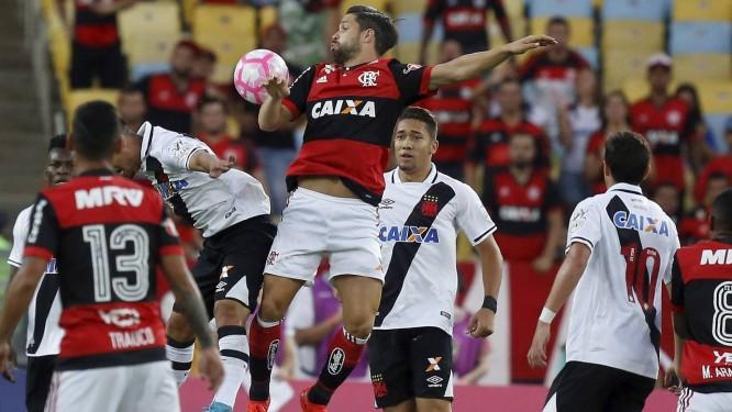 Flamengo e Vasco se enfrentam no Maracanã Foto: Marcelo Theobald / Agência O Globo
