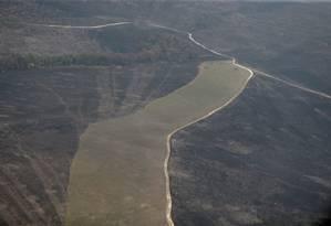 Imagem aérea mostra extensão da destruição na área do parque Foto: Jorge William / Agência O Globo
