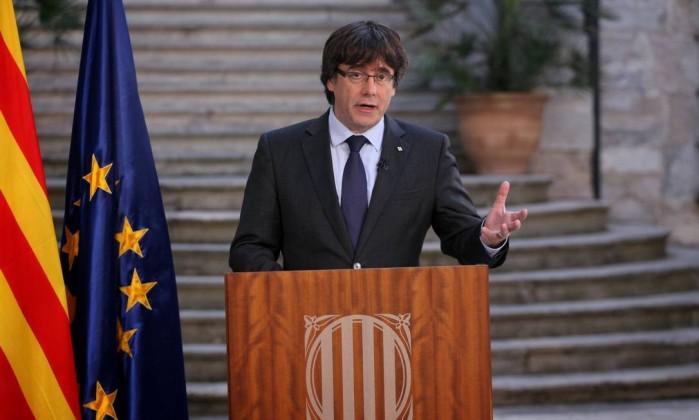 Ex-presidente catalão Carles Puigdemont viaja a Bruxelas