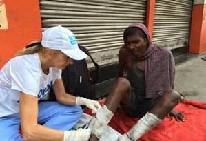 Rachel Lapierre ajuda necessitados em viagem à Calcutá, na Índia Foto: REPRODUÇÃO/FACEBOOK