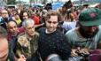 Caetano Veloso chega à ocupação do MTST em São Bernardo do Campo