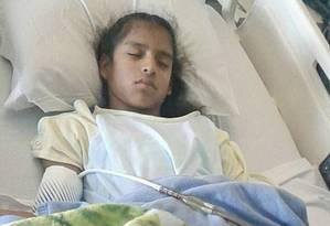 Rosa María ficou detida na própria cama do hospital e agorea aguarda deportação Foto: Reprodução