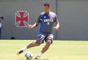 Luis Fabiano em treino do Vasco Foto: Divulgação