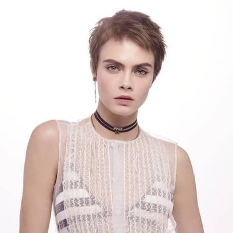 Cara Delevigne em campanha para a linha Capture, da Dior Foto: Reprodução/Instagram