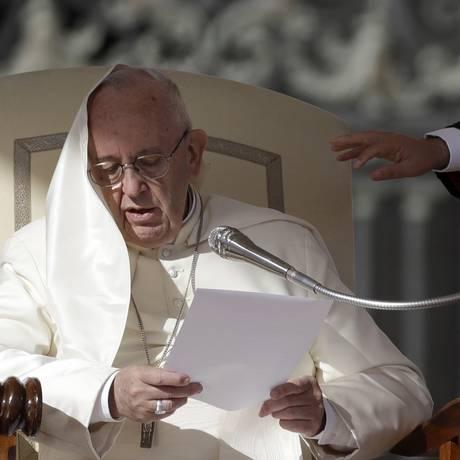 Papa Francisco, em audiência semanal na Praça de São Pedro Foto: Alessandra Tarantino / AP/25-10-2017