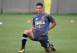 Paulinho volta aos treinos nesta quarta Foto: Divulgação - Vasco