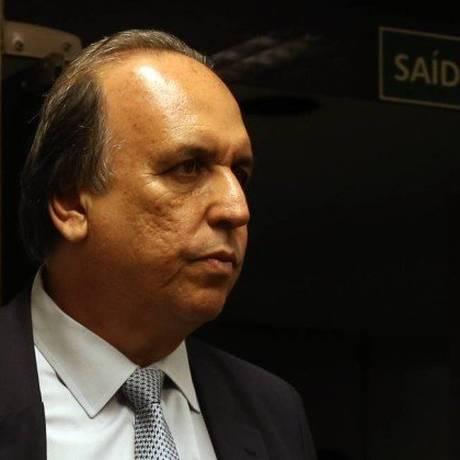 O governador do Rio Luiz Fernando Pezão Foto: Givaldo Barbosa / Agência O Globo