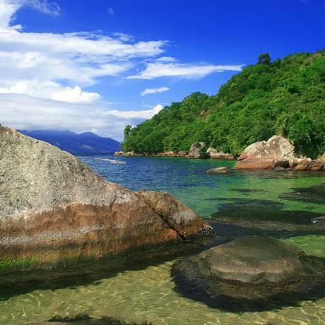 Praia em Ilha Grande, Angra dos Reis: cidade tem maior ocupação do Estado do Rio Foto: Valdiney Pimenta