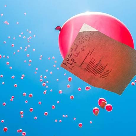 Balões vão enfeitar o céu do Vidigal com textos do poeta homenageado Foto: Divulgação