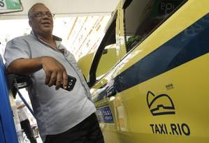 No primeiro dia de uso, aplicativo de táxis lançado pela prefeitura apresentou problemas Foto: Antonio Scorza / Agência O Globo