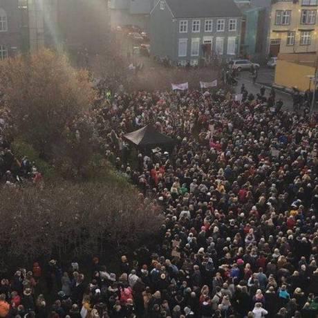 Mulheres protestam por igualdade salarial na Islândia Foto: Reprodução Twitter