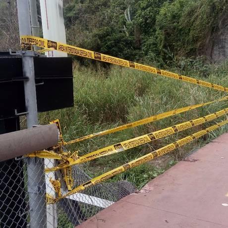 Trecho onde as grades de proteção foram furtadas Foto: Divulgação/Defesa Civil