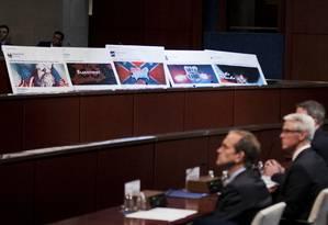 Representantes dos gigantes Facebook e Twitter prestam depoimento no Senado americano: campanha eleitoral foi marcada por grande quantidade de conteúdo falso impulsionado por anúncios pagos nas redes sociais Foto: Manuel Balce Ceneta / AP/1-10-2017