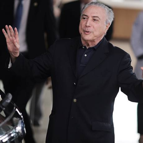 Michel Temer foi à sede do Inep em Brasília acompanhado do ministro da Educação, Mendonça Filho Foto: NACHO DOCE / REUTERS