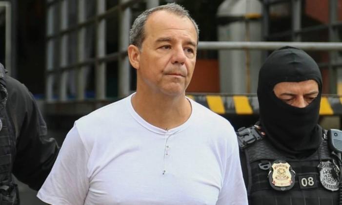 Sergio Cabral realiza exame de corpo delito antes de ser preso na Operação Calicute Foto: Geraldo Bubniak / Agência O Globo