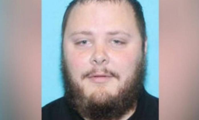Resultado de imagem para Homem que perseguiu autor de ataque a igreja no Texas