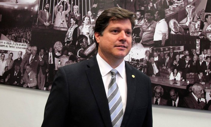 O deputado federal Baleia Rossi, líder do PMDB na Câmara, no gabinete da liderança Foto: Ailton de Freitas / Ailton de Freitas/Agência O Globo/19-09-2016
