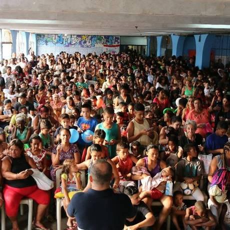 Fé no pátio escolar. Ciep na Maré recebeu, em setembro, evento da Universal com assistência social e atendimento religioso Foto: Reprodução / Redes Sociais