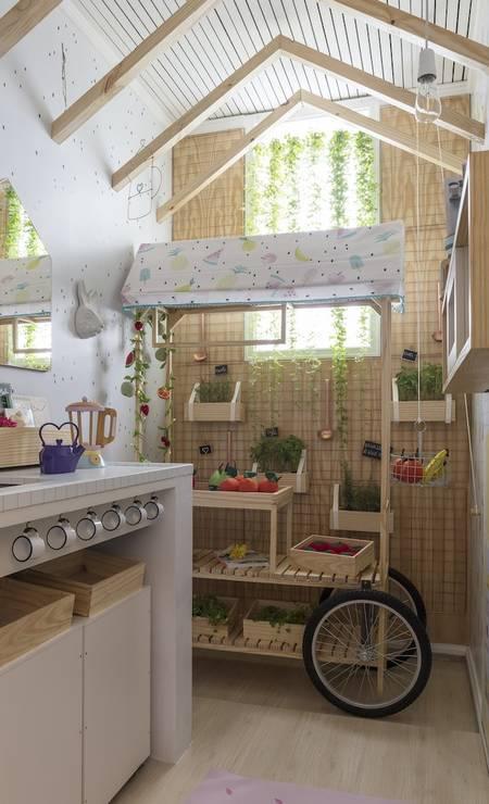 Hana Lerner Arquitetura e ateliê Nina Moraes Design fizeram a Cozinha Kids Foto: Divulgação