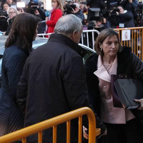 Carme Forcadell chega à sede do Supremo, em Madri Foto: STR / AFP