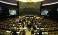 Câmara aprova novas regras para saída temporária de presos