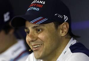 Felipe Massa sorri durante coletiva nesta quinta-feira, em São Paulo Foto: Andre Penner / AP