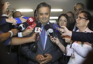 Aécio diz que afastamento de Tasso foi decisão 'legítima e necessária' Foto: Ailton Freitas / Agência O Globo