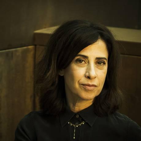 Quatro anos após o sucesso de seu primeiro romance, Fernanda Torres lança novo livro Foto: Guito Moreto / Agência O Globo