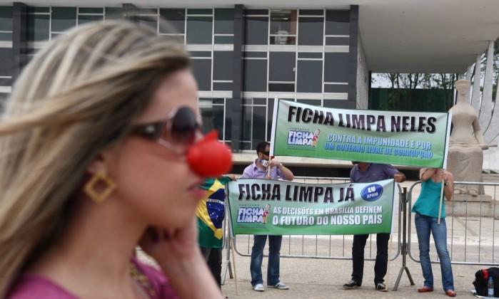 Líderes da Câmara tentam reverter decisão do STF sobre Ficha Limpa